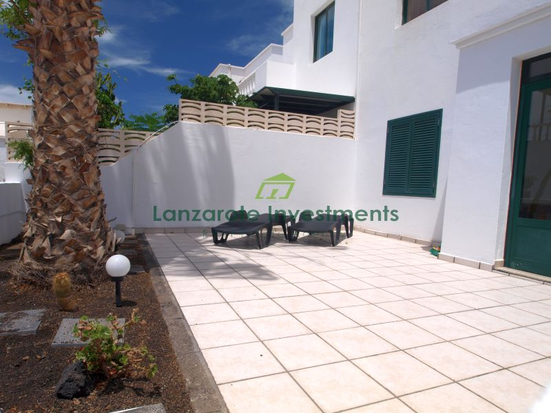 2 Bedroom apartment conveniently located with sea views in Puerto del Carmen