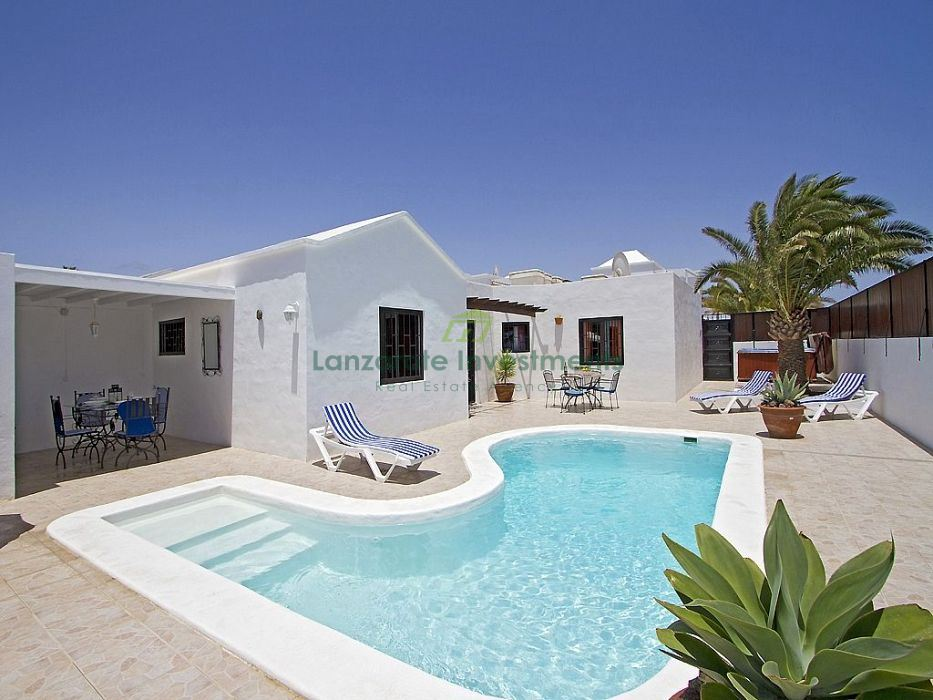 Villa with private pool and Tourist Licence in Los Mojones, Puerto del Carmen