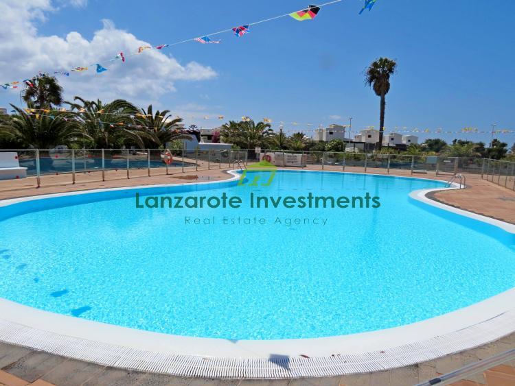 Excellent artistic 2 bedroom villa for sale in Playa Blanca