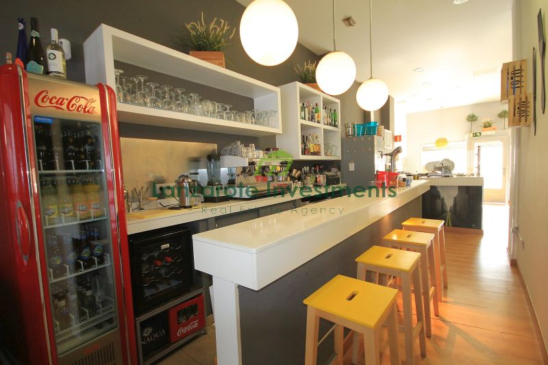 Great Opportunity! Bar Cafeteria with terrace in the best area of Arrecife.