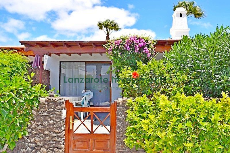 Fantastic South Facing Bungalow with Touristic License in Playa Blanca