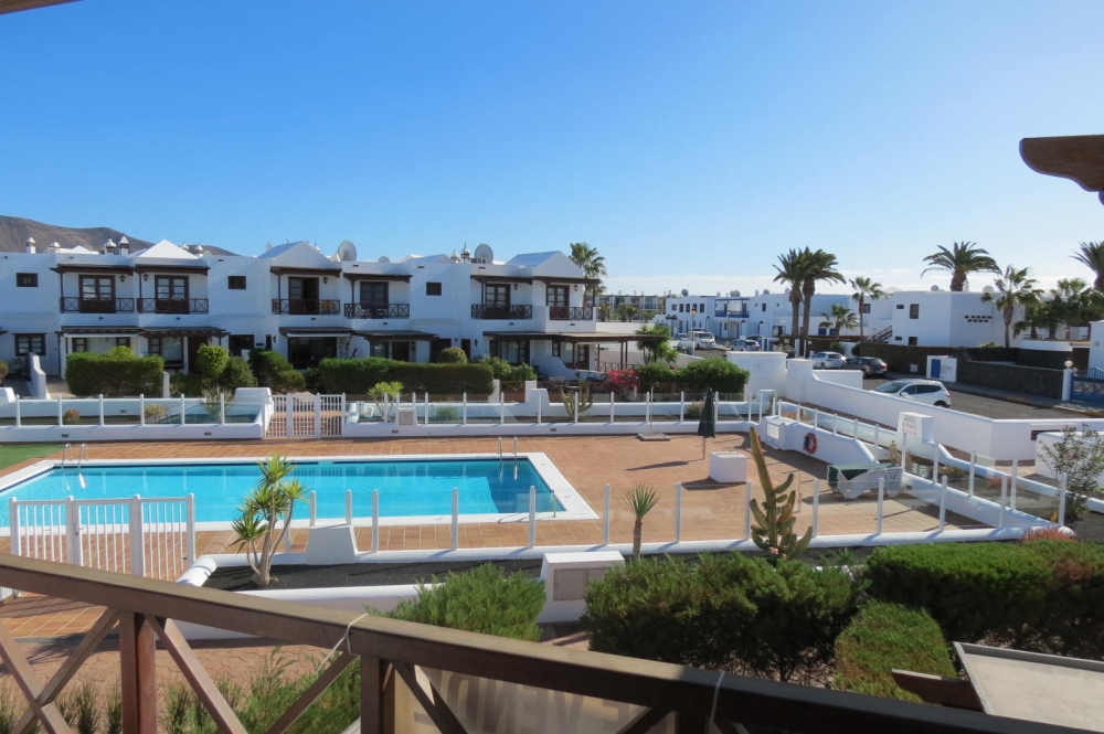 3 Bedroom Duplex in Playa Blanca with communal pool