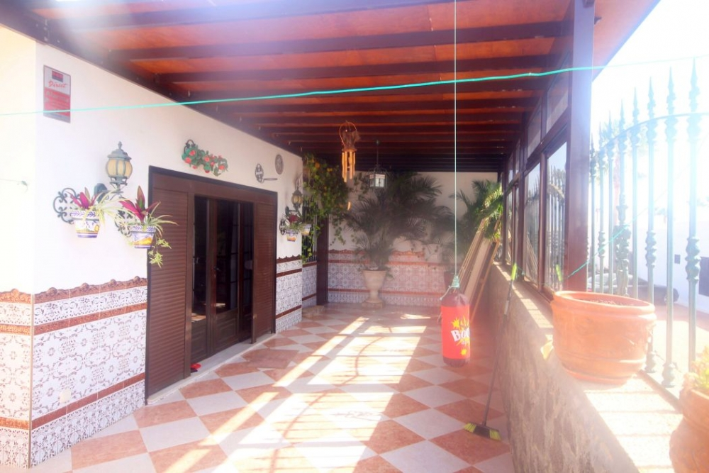 Detached Villa on a Residential Complex in Costa Teguise