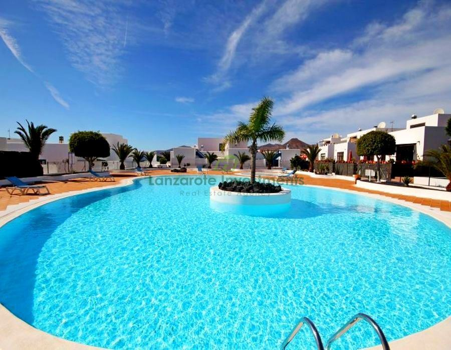 Exclusive! 3 bed 2 Bath town house for sale in Marina Azul, Puerto Calero