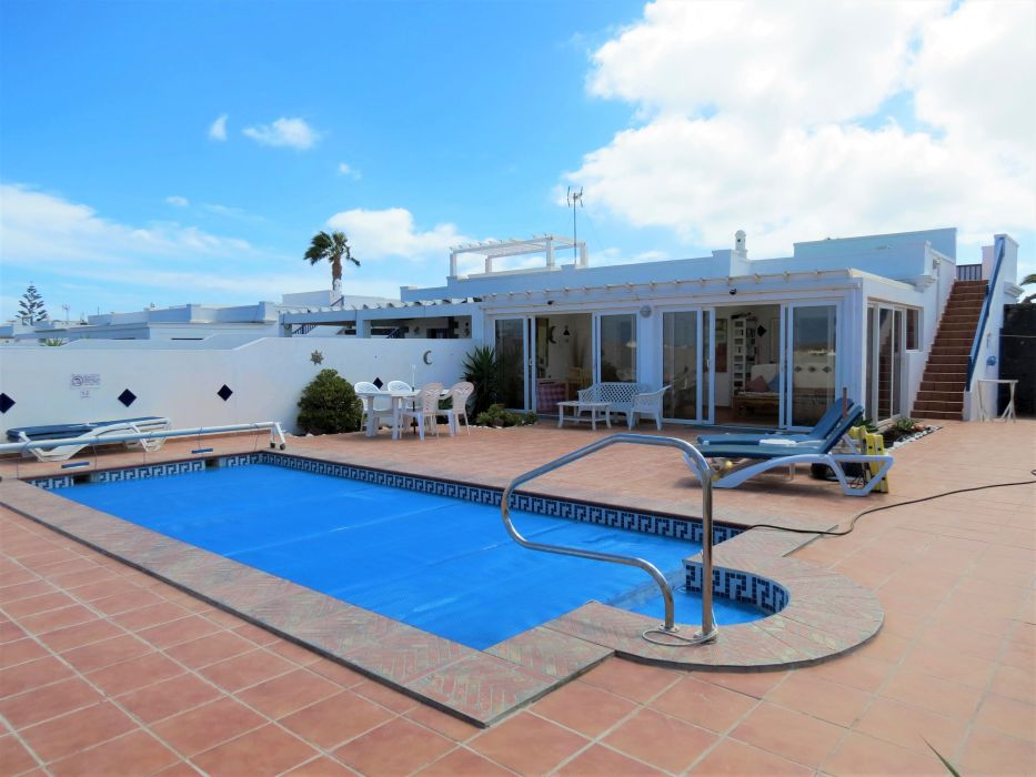 Beautiful 2 bedroom villa with private heated pool roof for Heated pools for sale