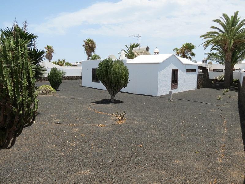 Unique 3 bedroom villa in Playa Blanca for sale
