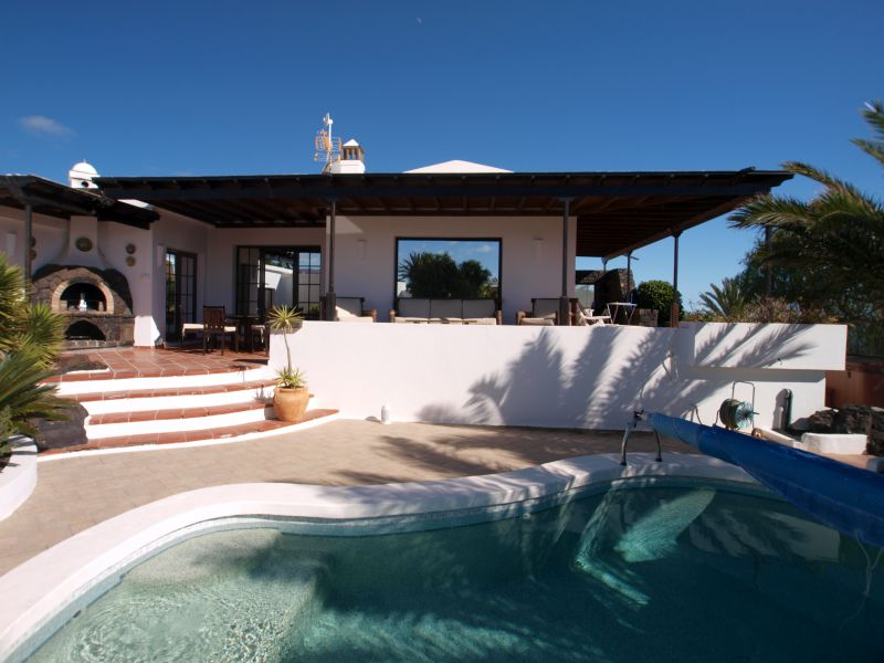 A Large 3 Bedroom Villa with Pool in Los Mojones for sale