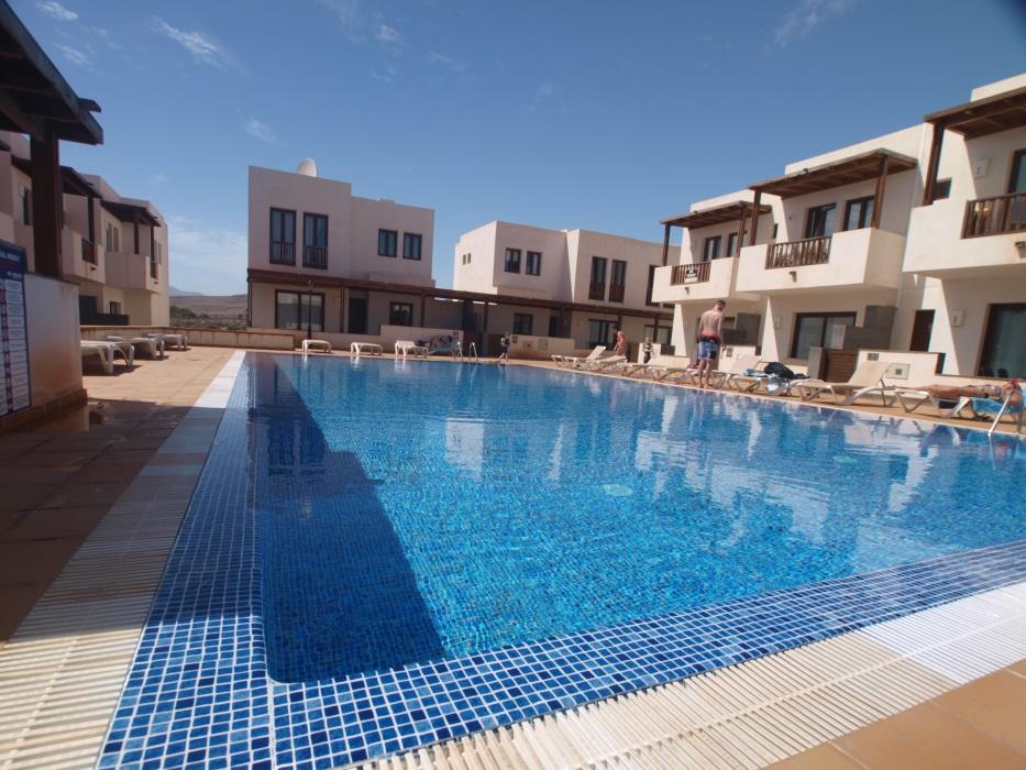 2 bedroom luxury town houses for sale in Puerto Calero