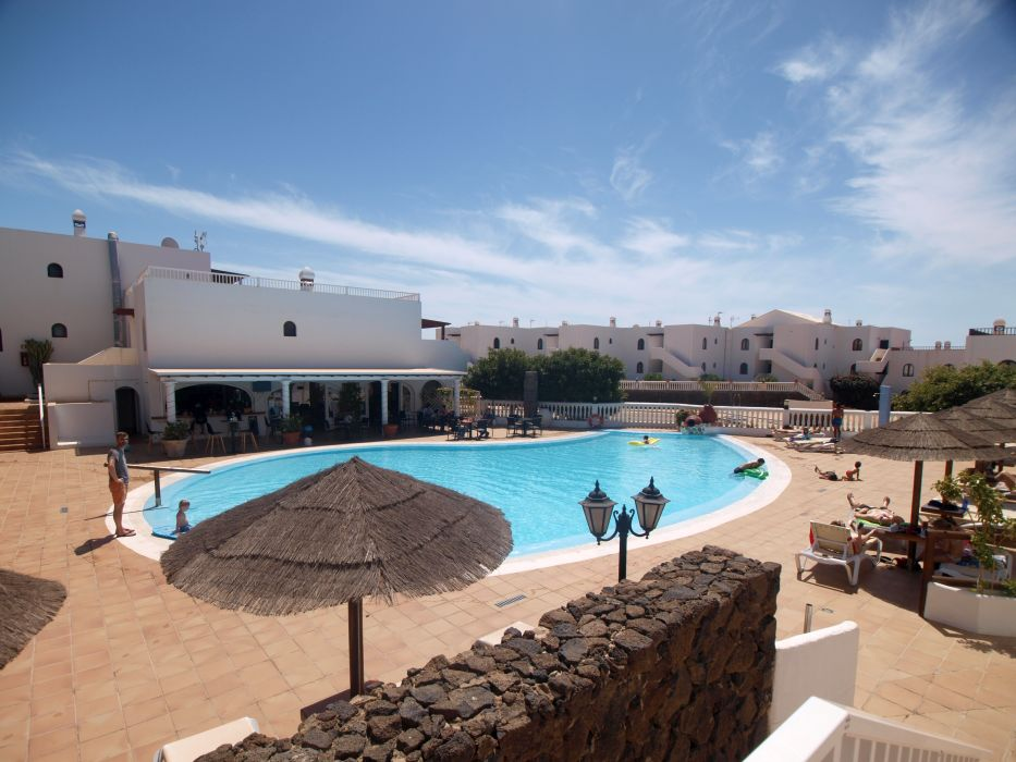 Modern fully furnished apartment in Costa Teguise, Lanzarote for sale