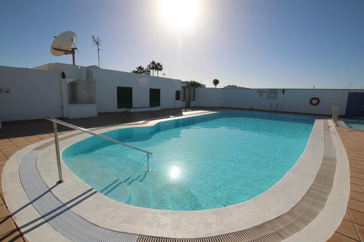 One bedroom top floor apartment with large terrace in Puerto del Carmen