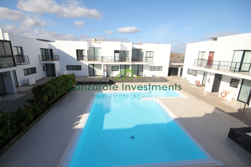 2 Bedroom Duplex with a Communal Pool in Costa Teguise