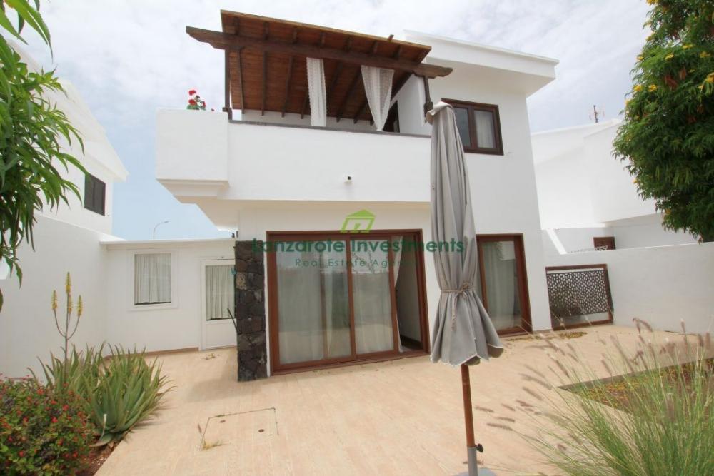 Stunning detached Villa located in Puerto del Carmen