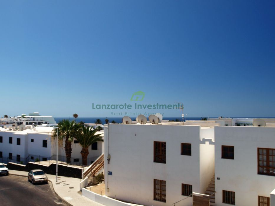 Spacious two bedroom apartment in Puerto del Carmen