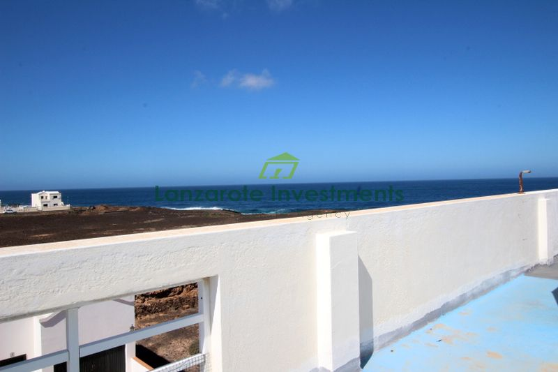 Modern 2 bedroom apartment in La Santa