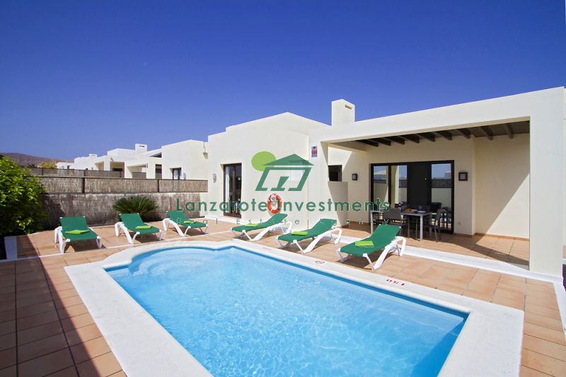 Beautiful Villas with Private Pools for Sale in Playa Blanca