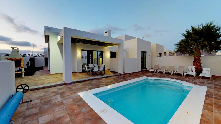 3 Bedroom Villa With Private Heated Pool For Sale in Playa Blanca