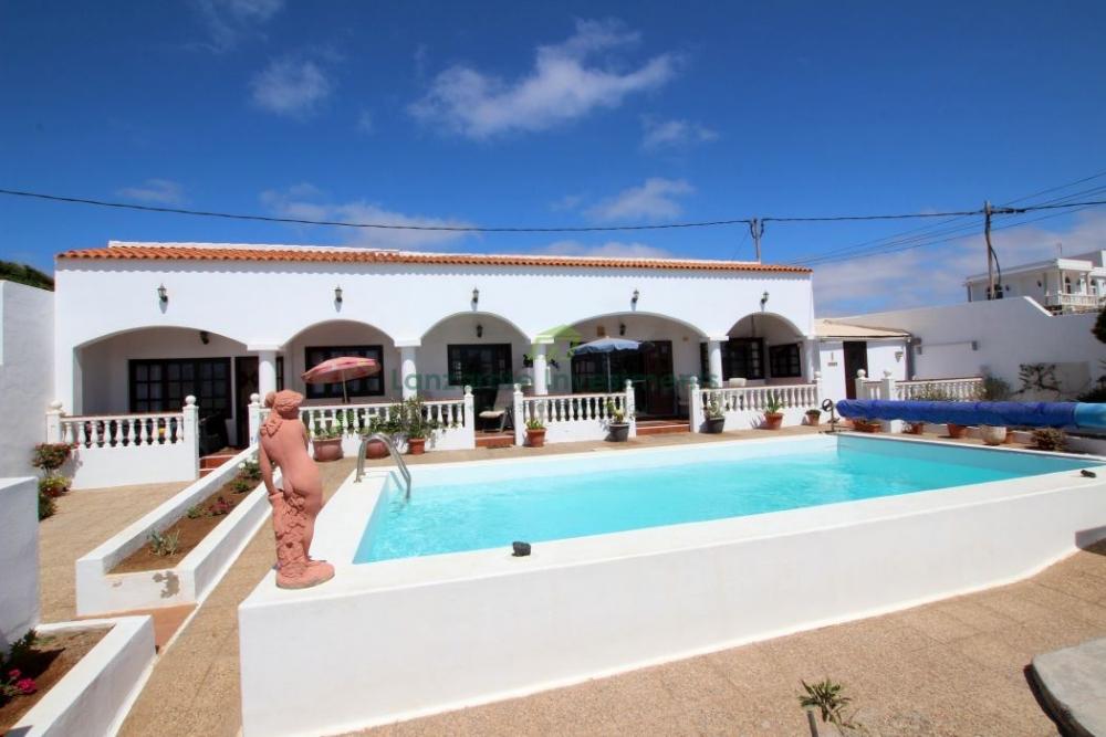 5 Bedroom Detached Villa With Sea Views in Guime