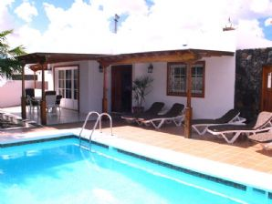 3 Bedroom Villa with Pool - Risco Prieto, PDC