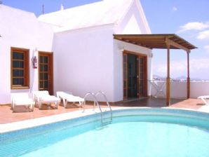 Detached 3 Bedroom Villa with Sea views - Tias