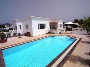 Luxury 4 Bedroom Villa for sale in Puerto Calero