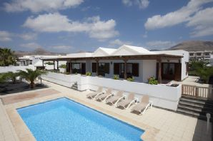 Luxury 3 Bedroom Villa with pool for sale in Puerto Calero