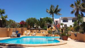 Beautiful large 7 bedroom villa with pool in Tias