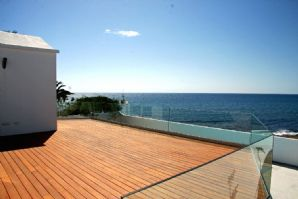 Luxury seafront villa in La Concha for sale