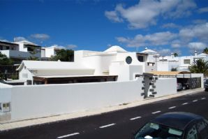 3 bedroom villa with pool in Puerto del Carmen