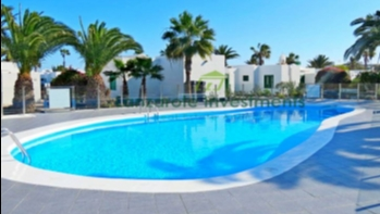 Immaculate bungalow on popular complex in centre of Playa Blanca