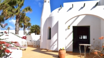 2 Bedroom House With Spacious Terrace For Sale in Playa Blanca