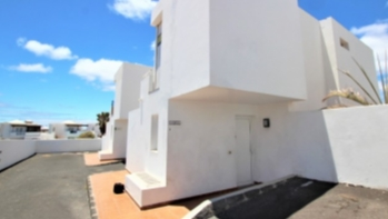 3 Bedroom house with private pool for sale in Puerto del Carmen