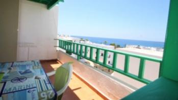 Apartamento de 1 dormitorio con impresionantes vistas al mar en venta en Costa Teguise
