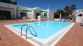 Beautiful 1 Bedroom Apartment for sale with communal pool