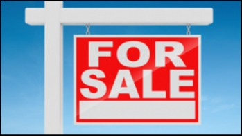 Freehold Frontline Commercial Unit for Sale in Puerto del Carmen.