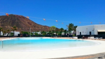 Exclusive! 2 bedroom detached villa with roof terrace for sale in Playa Blanca