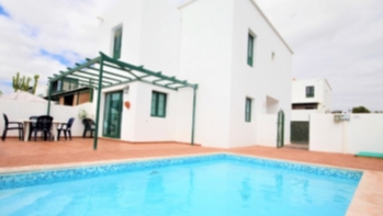 Lovely semi-detached duplex with private pool for Sale in Costa Teguise