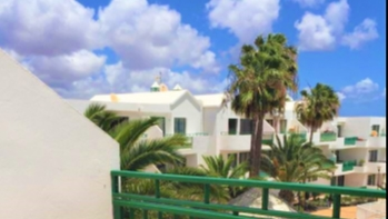 Excellent 2 Bedroom apartment moments away from Las Cucharas beach
