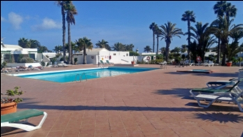 Boasting a superb location 1 bedroom bungalow in Playa Blanca