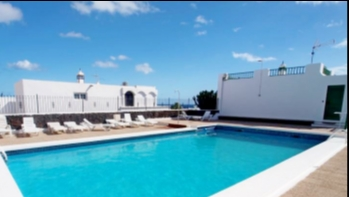 2 bedroom apartment with communal pool for sale in Puerto Del Carmen