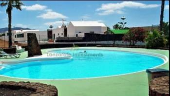 4 Bedroom 2 bathroom semi detached villa for sale in Playa Blanca
