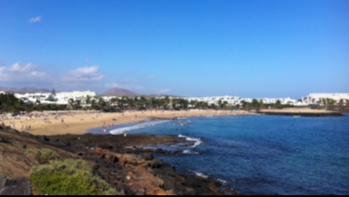 Exceptional top floor apartment in a prime location in Costa Teguise