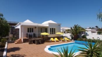 Elegant 3 bedroom detached villa in the exclusive area of Los Mojones