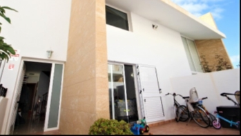 Immaculate front line 3 bedroom duplex for sale in Playa Honda