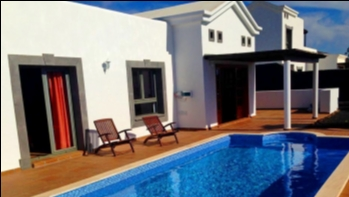 2 Bedroom 2 bathroom villa with private pool in Playa Blanca