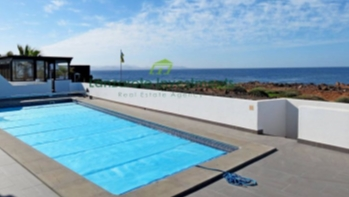 Rare opportunity to own an impressive frontline villa in Playa Blanca