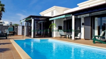 Stunning 2 bedroom villa in private urbanisation for sale in Playa Blanca
