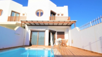 3 bedroom duplex with private pool on a complex in Costa Teguise