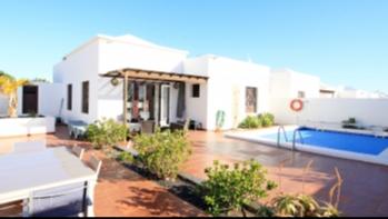 Schöne 3 Schlafzimmer Villa mit privatem Pool in Costa Teguise