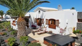 Freistehender Bungalow mit 2 Schlafzimmern in begehrter Lage in Playa Blanca