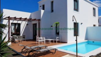 Investment opportunity! 2 bedroom villas in Playa Blanca